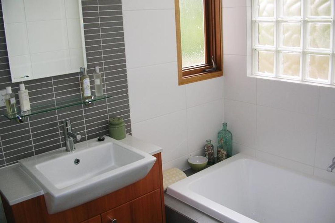 Your Ultimate Bathroom Renovation Timeline Hipagescomau - Bathroom reno steps