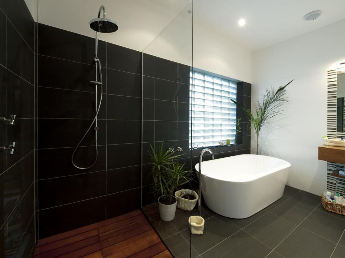 Who has their own bath-built or hired builders 24