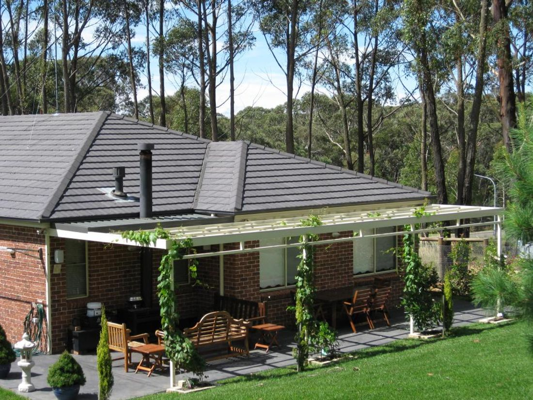 Today Pergolas Can Have Roofs Or Even Be Enclosed Semi What Is The Rough Cost Of A Pergola We Look At Two Most Popular Types