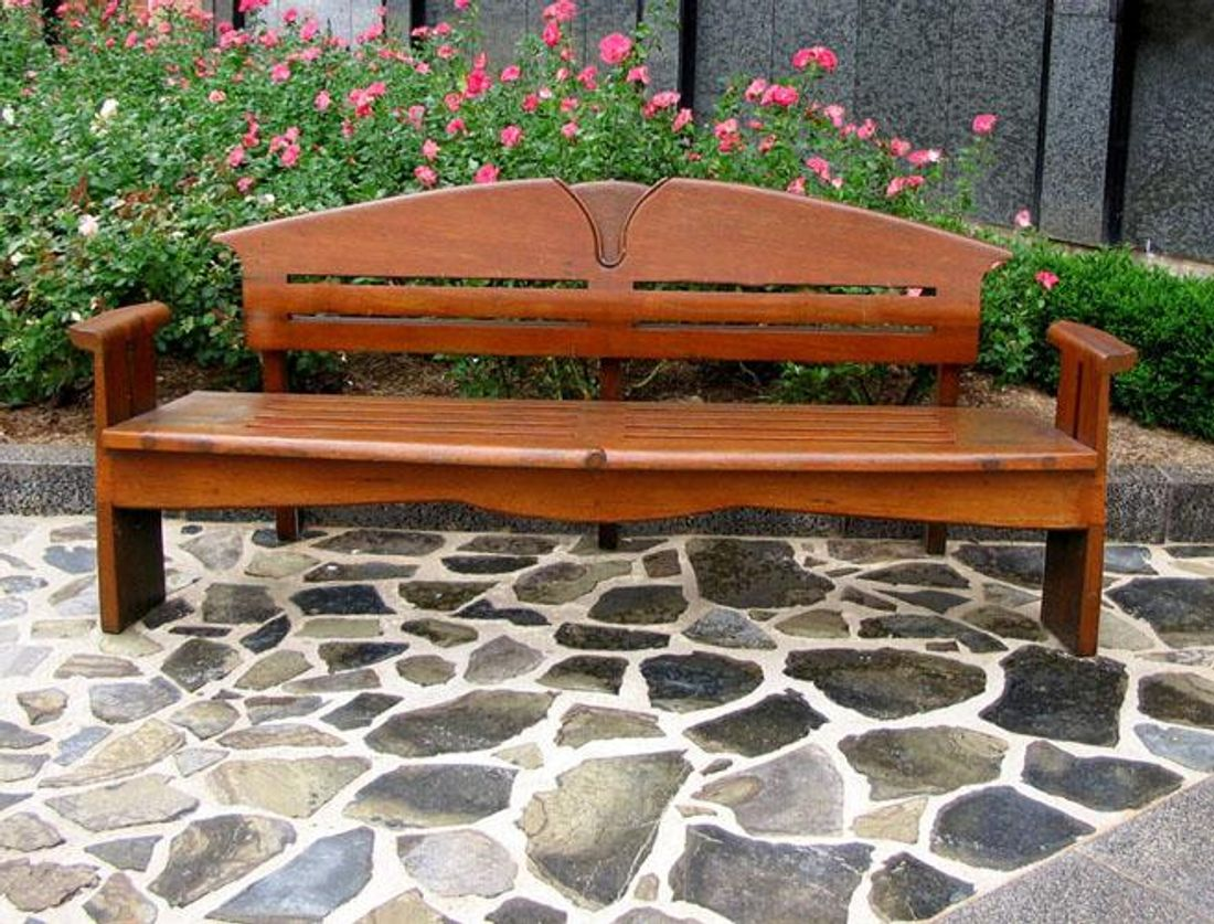 What are the Best Furniture Materials for Outdoor Living ...