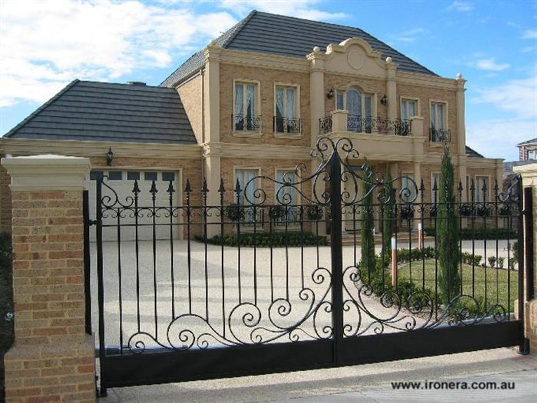 How much does a driveway gate cost for Ready made driveway gates