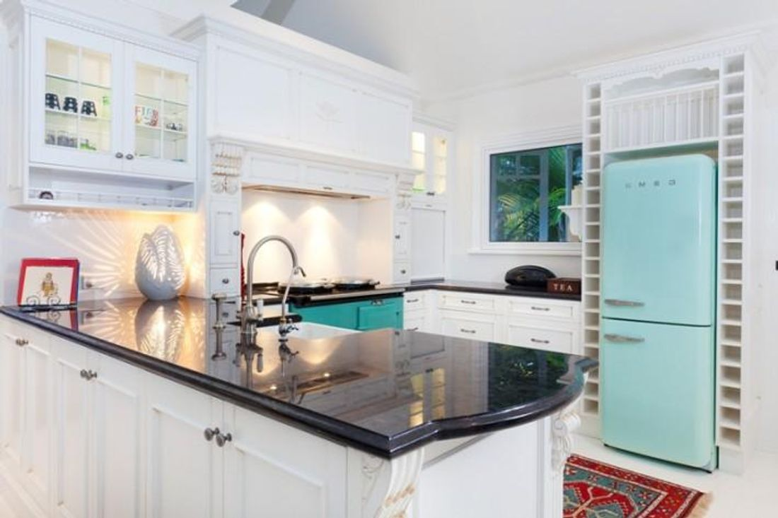 Kitchen cabinets quick - Either Way There Are Some Things You Need To Know So Read This Quick Guide To Painting Kitchen Cabinets Before You Get Started