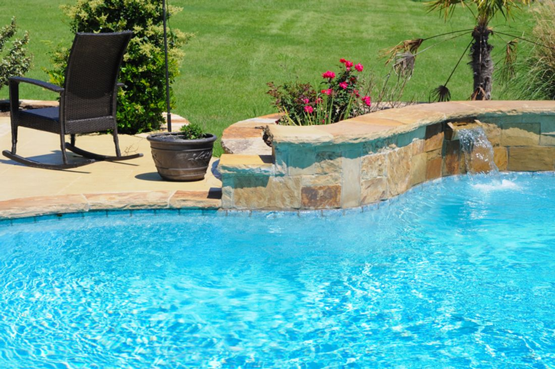 2019 how much does it cost to build a concrete pool