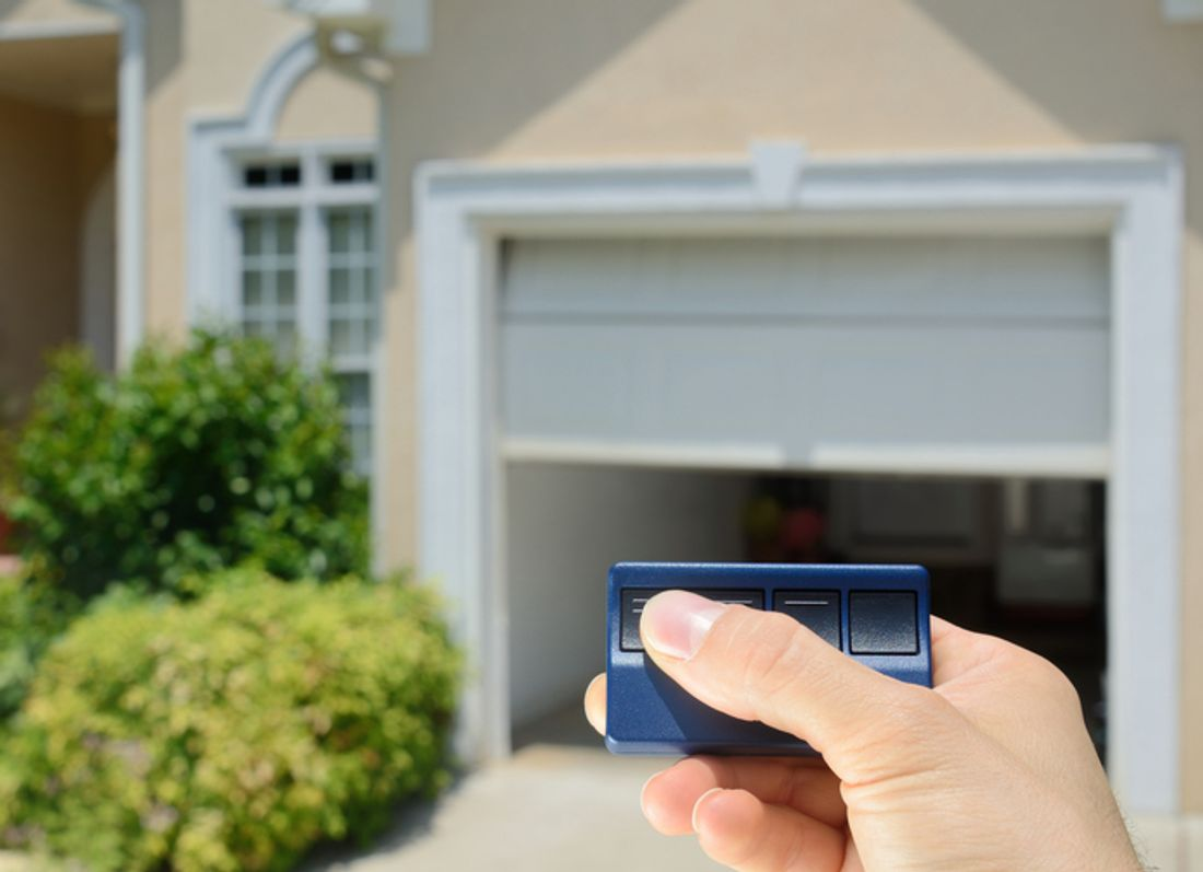 2018 How much does it cost to install a garage door? - hipages.com.au