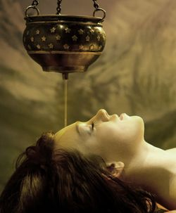 Shirodhara - Aromatic oil therapy